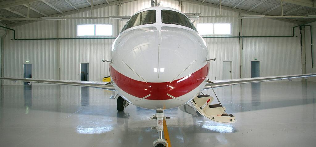 epoxy flooring contractor for hangar
